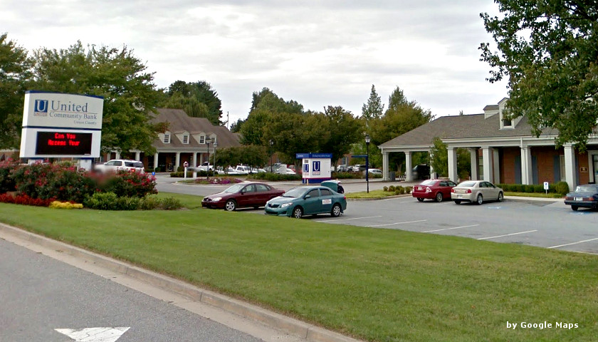 United Community Bank for Alleged Improper Overdraft Fee